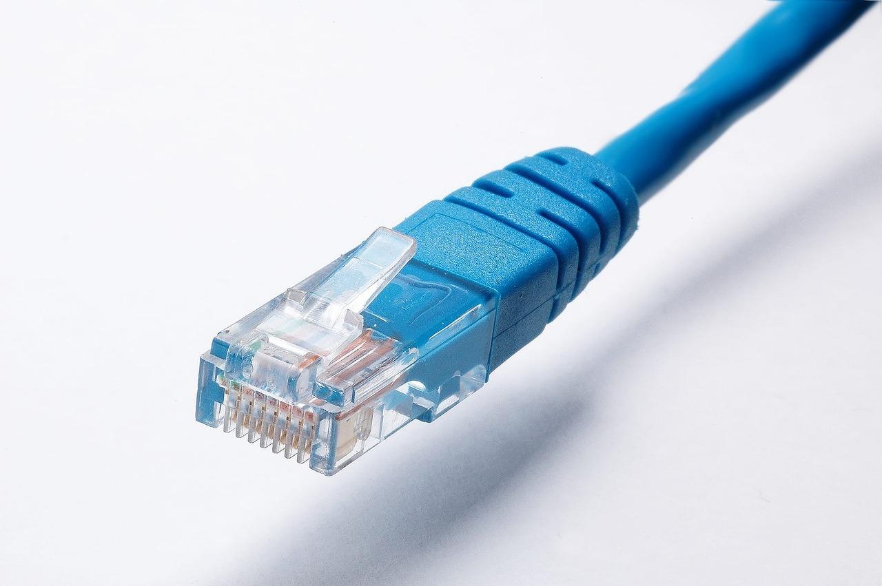 【効果絶大】自宅Wi-Fiが遅い人の対策方法【LANケーブル交換で通信速度が1.5倍】