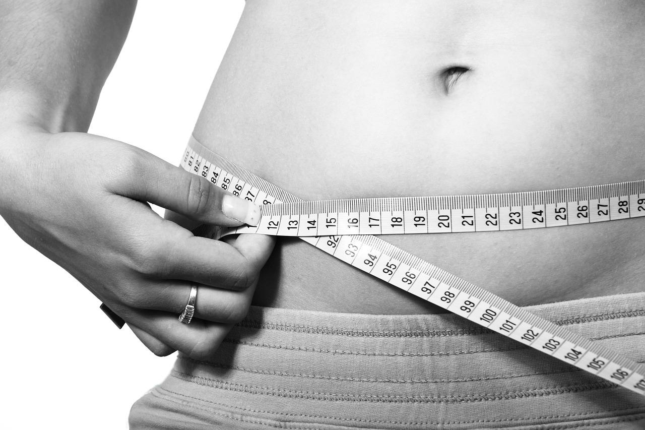 抜歯ダイエット?歯科矯正の抜歯をしたら1か月で体重が3kg落ちました。